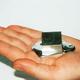 แกลเลียม (Gallium) ธาตุโลหะสีเงินที่ละลายได้บนฝ่ามือ